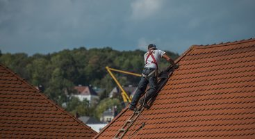 Top Signs You Should Have Your Roof Serviced This Winter | Royal Oak Property Services
